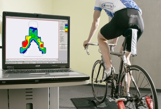 Saddle pressure mapping during bike fit